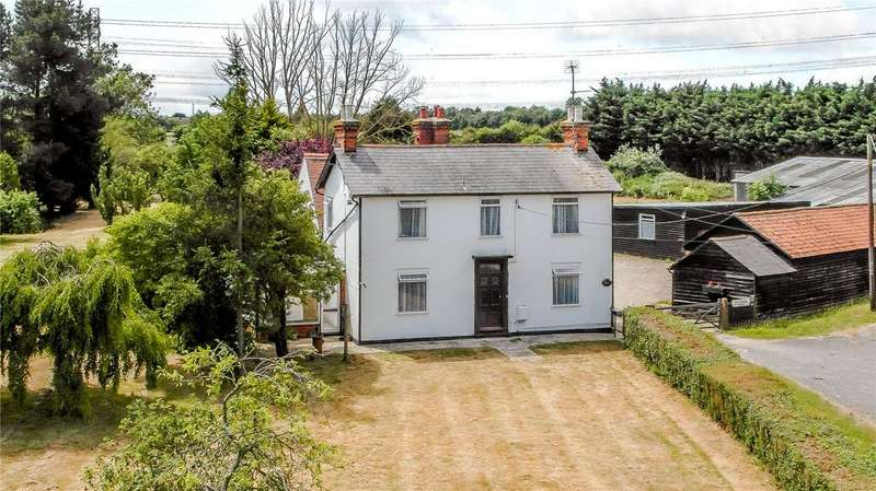 5 Bedrooms Detached House for sale in London Road, Rawreth, Wickford, Essex
