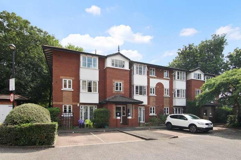 2 Bedrooms Flat for sale in Beechwood Grove, Acton