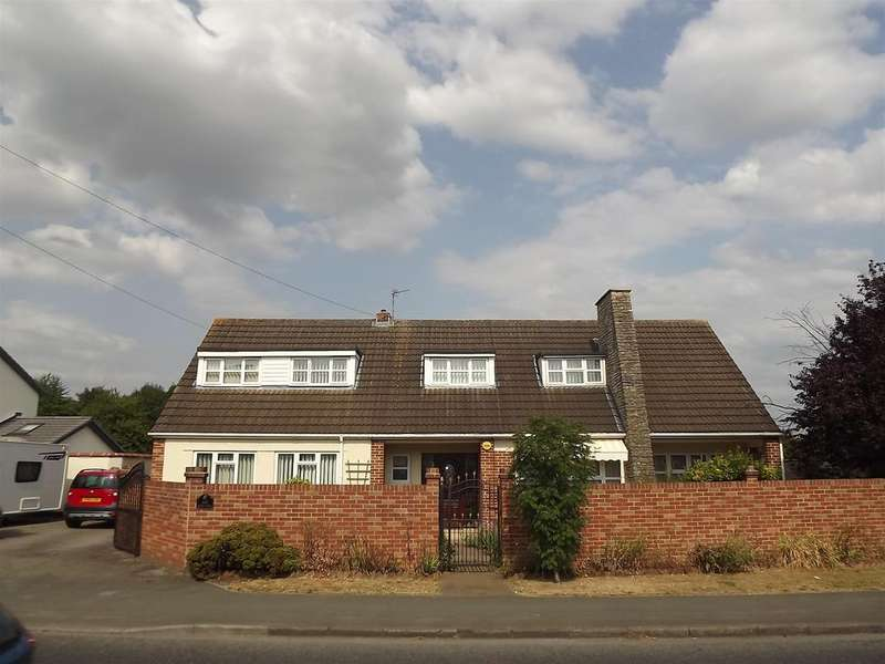 4 Bedrooms Detached House for sale in Bath Road, Longwell Green, Bristol, BS30 9DD