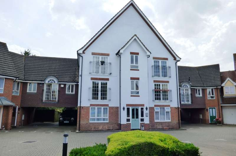 2 Bedrooms Flat for sale in Hartigan Place, Woodley