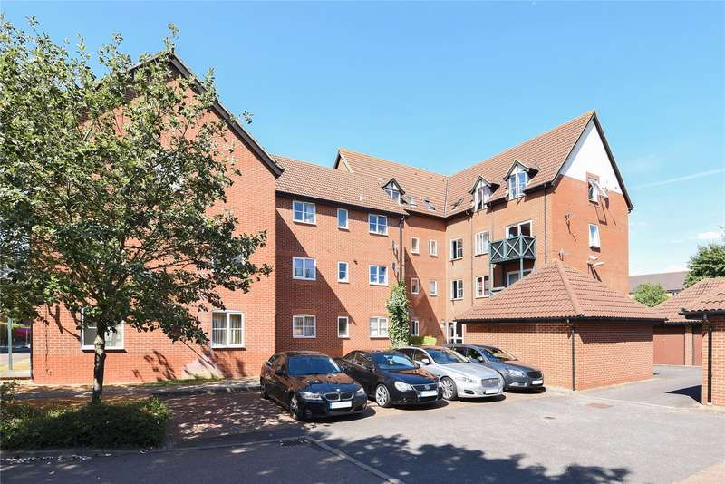 2 Bedrooms Apartment Flat for sale in Admirals Court, Rose Kiln Lane, Reading, Berkshire, RG1