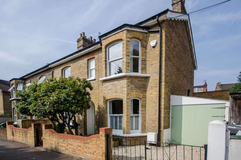 3 Bedrooms House for sale in Copeland Road, Walthamstow Village, E17