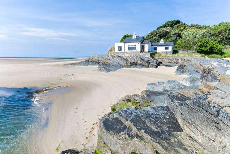 1 Bedroom Unique Property for sale in The Powder House, Morfa Bychan, Porthmadog LL49