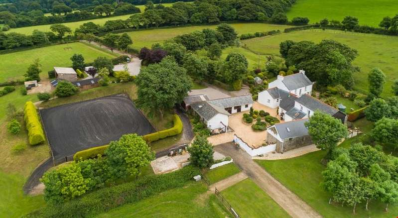 4 Bedrooms Detached House for sale in Between Falmouth and Truro, Cornwall, TR16