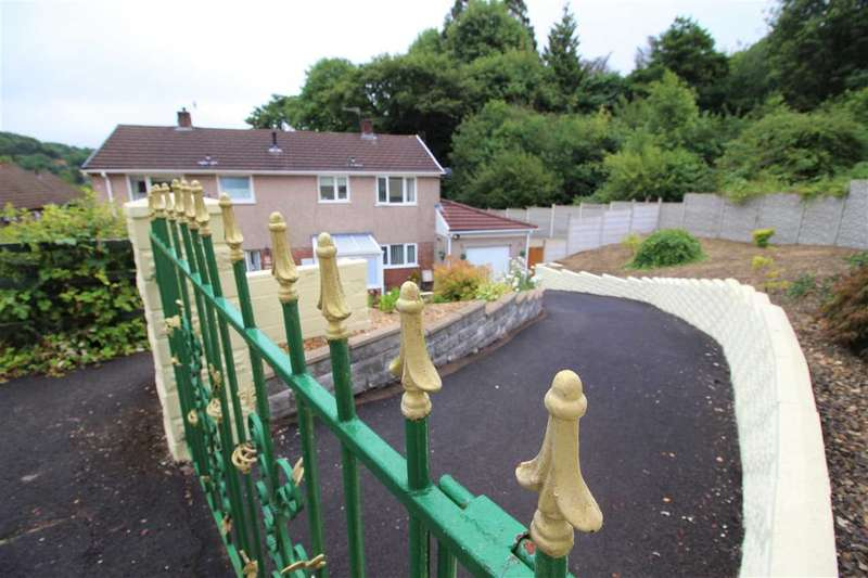 3 Bedrooms Semi Detached House for sale in Caemawr Gardens, Porth
