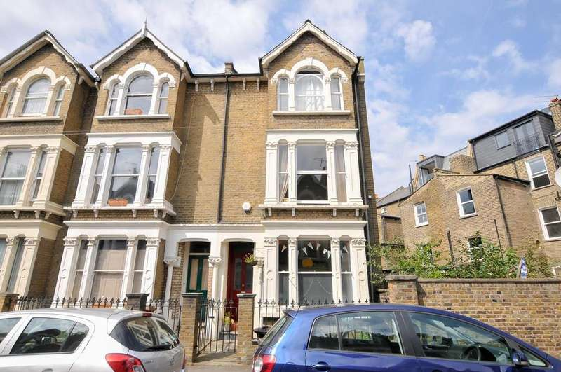 4 Bedrooms Semi Detached House for sale in Statham Grove, London