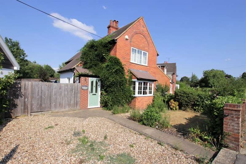 3 Bedrooms Detached House for sale in Horseshoe Road, Pangbourne, Reading, RG8
