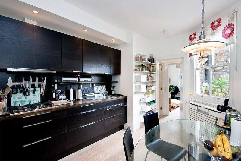 3 Bedrooms Flat for sale in ESSENDINE ROAD, MAIDA VALE, LONDON