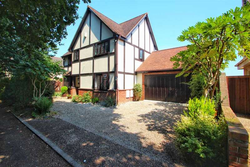 4 Bedrooms Detached House for sale in Green Lane, St. Johns, Colchester
