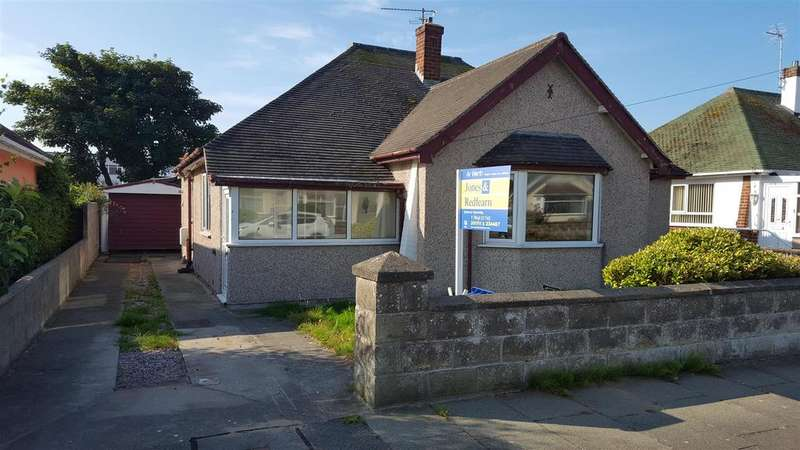 2 Bedrooms Detached Bungalow for sale in Burns Drive, Rhyl