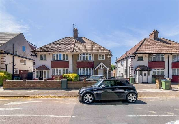 3 Bedrooms Semi Detached House for sale in Canberra Road, London