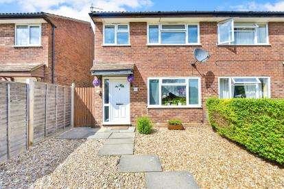 3 Bedrooms Semi Detached House for sale in Wallingford, Bradville, Milton Keynes, Buckinghamshire