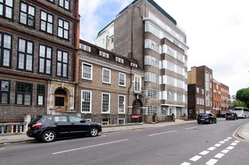 2 Bedrooms Flat for sale in Cheyne Place, Chelsea