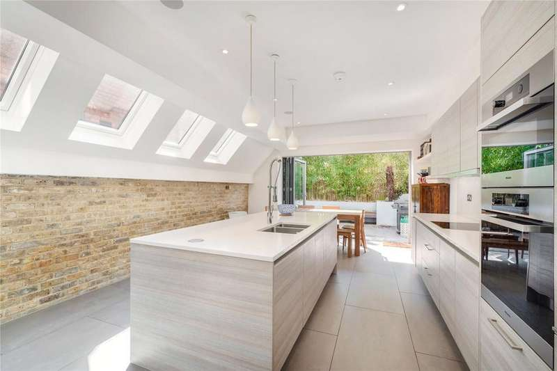 4 Bedrooms Terraced House for sale in Mablethorpe Road, Fulham, London, SW6