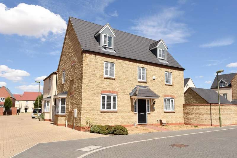 5 Bedrooms Detached House for sale in Ripon Close, Kingsmere Development, Bicester, OX26