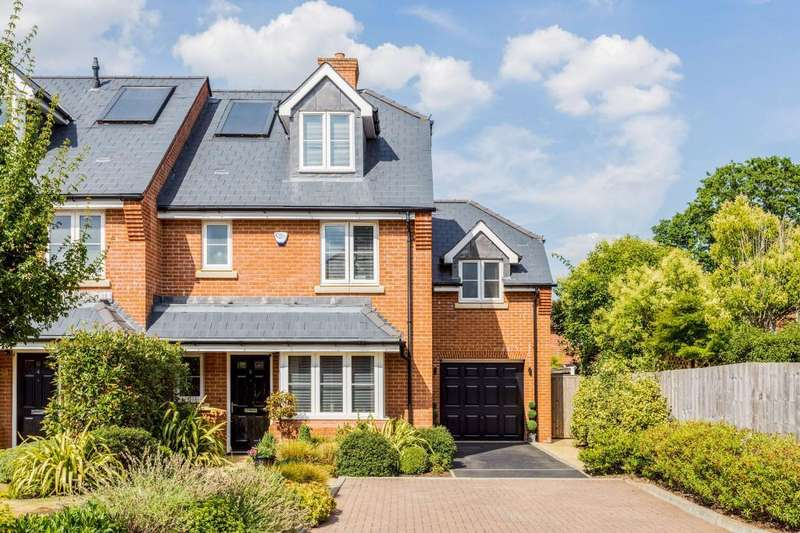 4 Bedrooms End Of Terrace House for sale in Ridings Close, Ascot