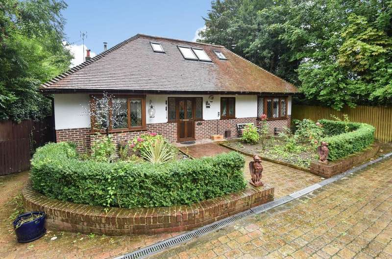 4 Bedrooms Detached House for sale in Church Road Hartley DA3