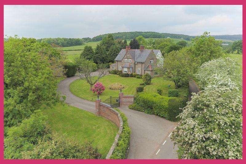 4 Bedrooms Detached House for sale in Penhow, Caldicot