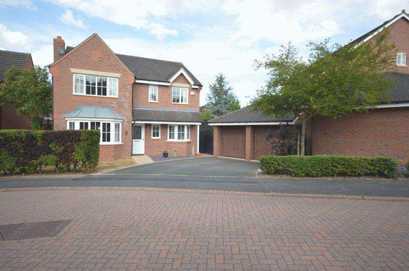 4 Bedrooms Detached House for sale in Calder Close, Telford