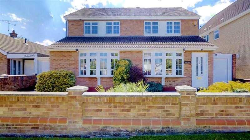 5 Bedrooms Detached House for sale in Broom Road, Hullbridge