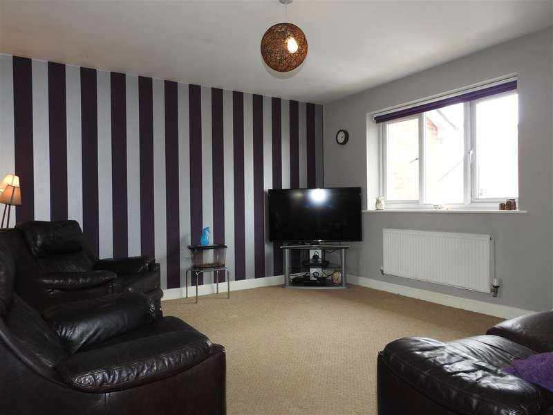 2 Bedrooms Apartment Flat for sale in Darwen Fold Close, Buckshaw Village