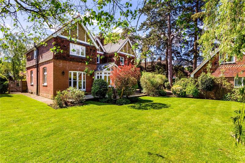 5 Bedrooms Detached House for sale in Homefield Road, Warlingham, Surrey, CR6