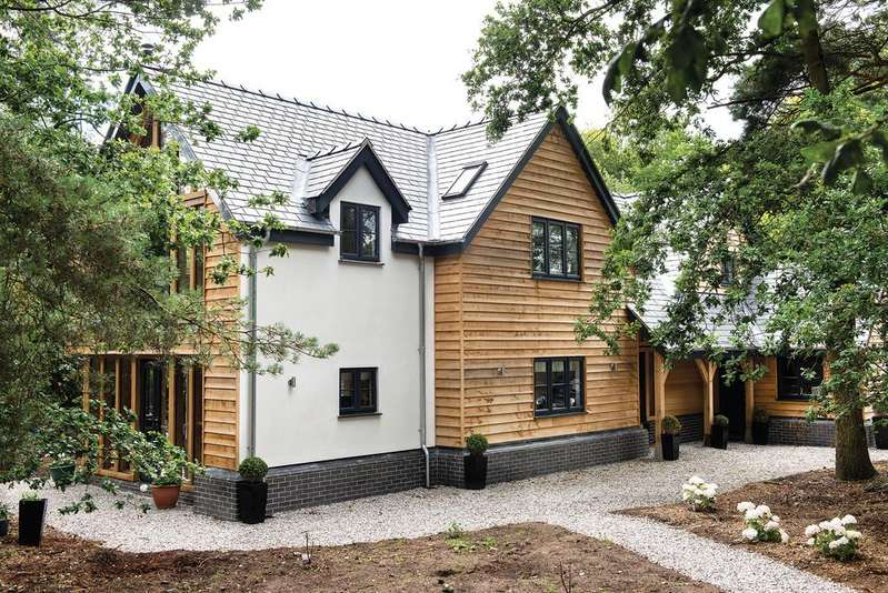 4 Bedrooms Detached House for sale in Holmes Chapel Road, Davenport