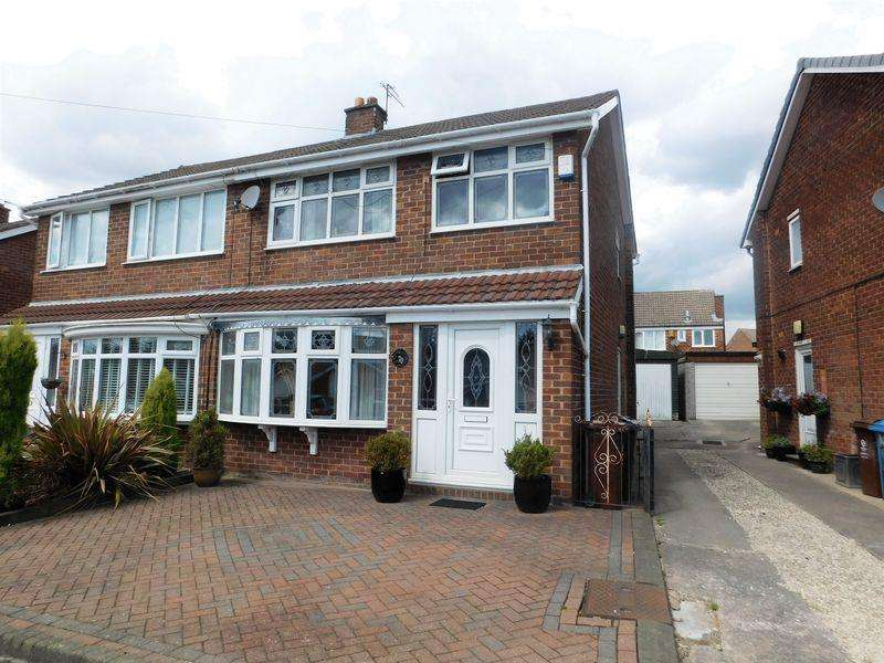 3 Bedrooms Semi Detached House for sale in Leicester Road, Manchester
