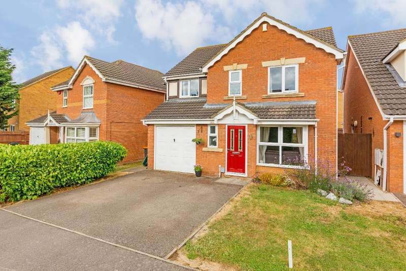 4 Bedrooms Detached House for sale in Smithcombe Close, Barton-Le-Clay, Bedfordshire, MK45 4PL
