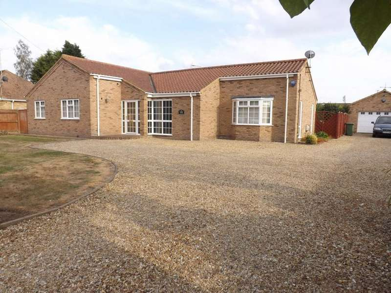 3 Bedrooms Detached Bungalow for sale in Barton Road, Wisbech