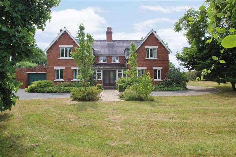 4 Bedrooms Detached House for sale in Titley, Kington, Herefordshire