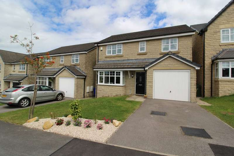 4 Bedrooms Detached House for sale in Siskin Avenue, Bacup, OL13