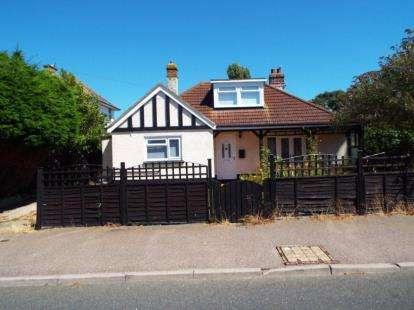 4 Bedrooms Bungalow for sale in Jaywick, Clacton On Sea, Essex