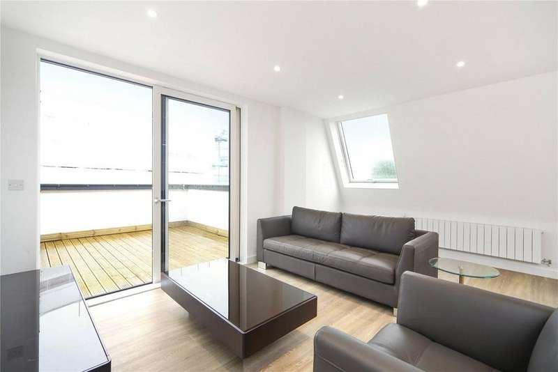 3 Bedrooms Flat for sale in Cleveley Court, Ashton Reach, London, SE16