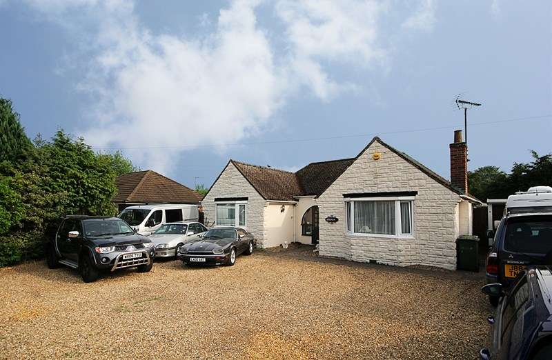 4 Bedrooms Detached Bungalow for sale in Main Road, Weeting, Brandon