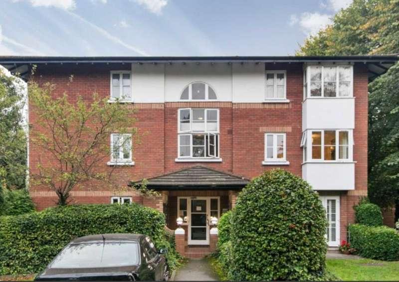 1 Bedroom Studio Flat for sale in Beechwood Grove, Acton, London W3 7HX