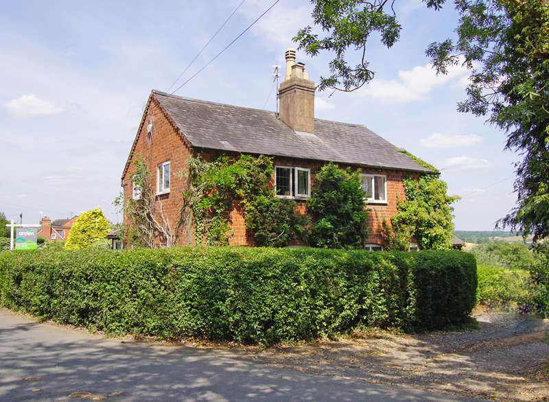 4 Bedrooms Cottage House for sale in Rowney Green Lane, Alvechurch, B48 7QS