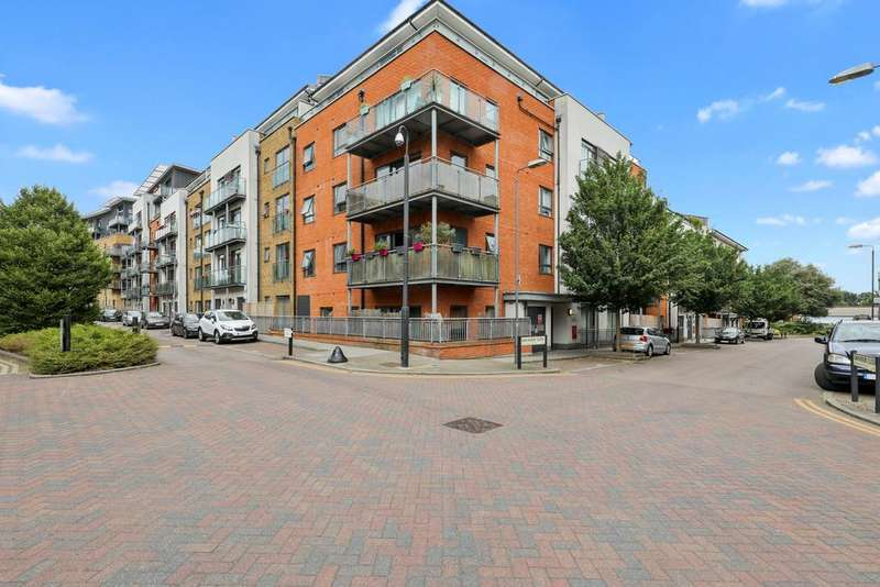 2 Bedrooms Penthouse Flat for sale in Rosse Gardens, Devignes Drive