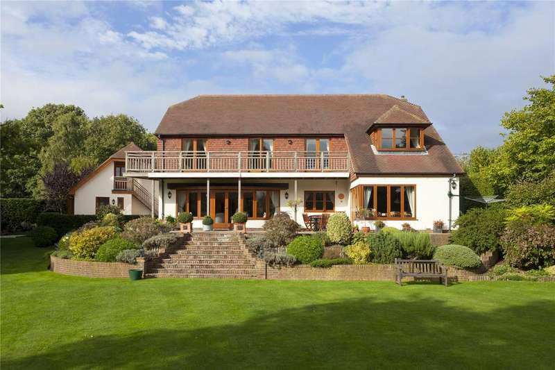 5 Bedrooms Detached House for sale in Ross Gardens, Rough Common, Canterbury, Kent, CT2