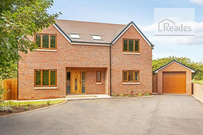 4 Bedrooms Detached House for sale in Groomscroft, Hawarden CH5 3