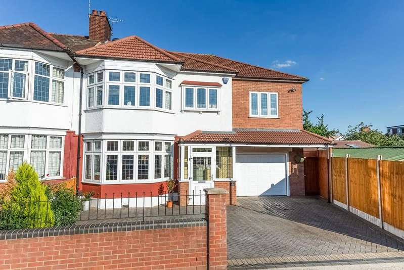 5 Bedrooms Semi Detached House for sale in Sherwood Avenue, South Woodford