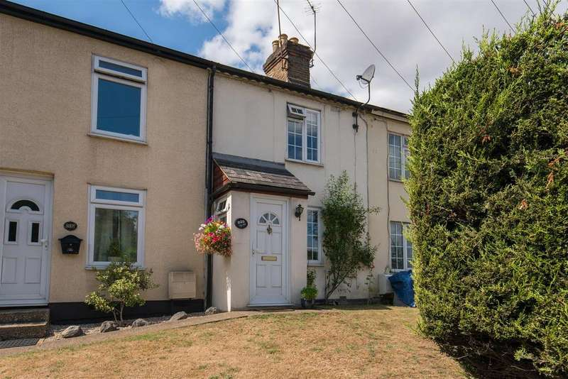 2 Bedrooms Terraced House for sale in Boundary Road, Loudwater