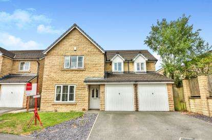 5 Bedrooms Detached House for sale in Pinewood Drive, Nelson, Lancashire