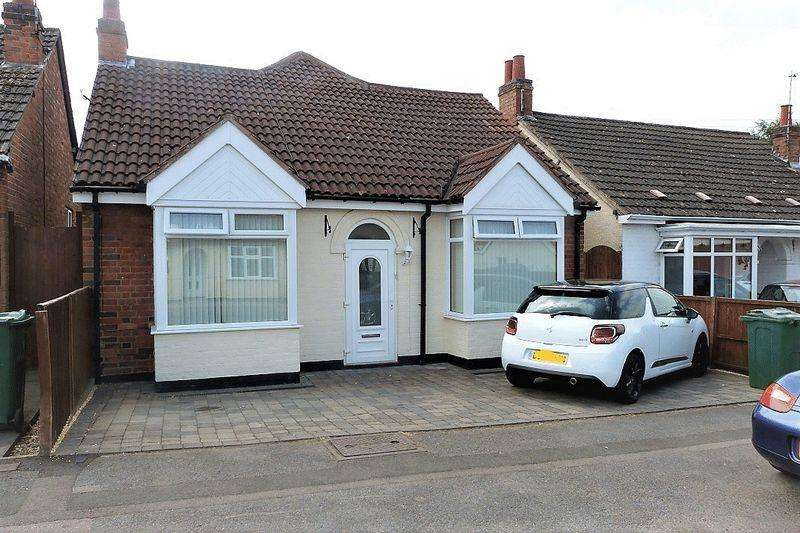 4 Bedrooms Detached Bungalow for sale in Brighton Avenue, Syston