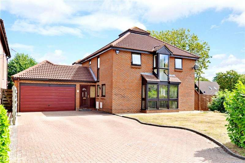 4 Bedrooms Detached House for sale in Livesey Hill, Shenley Lodge, Milton Keynes, Buckinghamshire