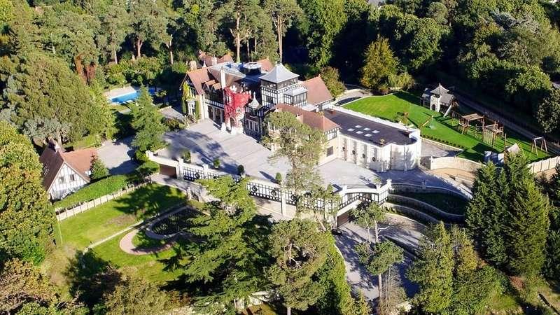9 Bedrooms Detached House for sale in Oxshott, Surrey