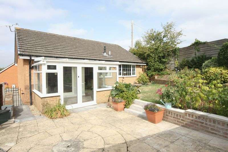 2 Bedrooms Property for sale in Footshill Close Hanham, Bristol