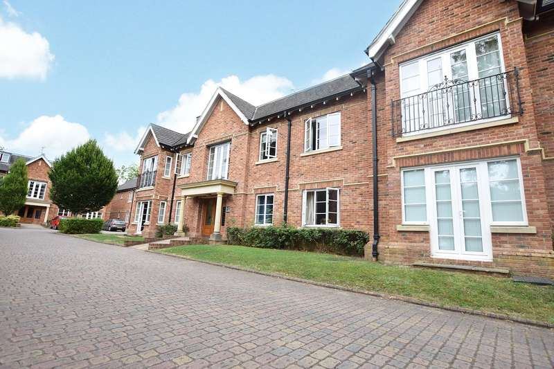 2 Bedrooms Apartment Flat for sale in Christine Ingram Gardens, Warfield, Bracknell, Berkshire, RG42