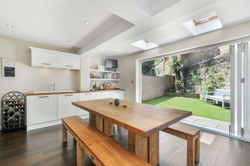2 Bedrooms Maisonette Flat for sale in Dorville Crescent W6