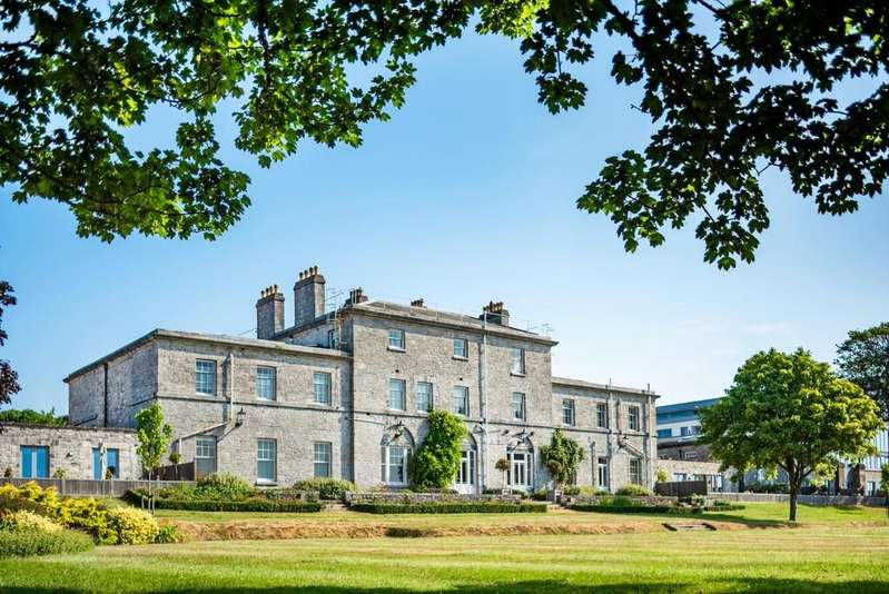 3 Bedrooms Apartment Flat for sale in Fullerton, Admiralty House, Plymouth
